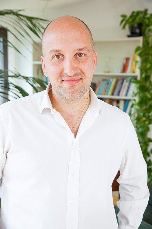 Enrico Gamba, psicologo e psicoterapeuta a Milano, esperto di Mindfulness.